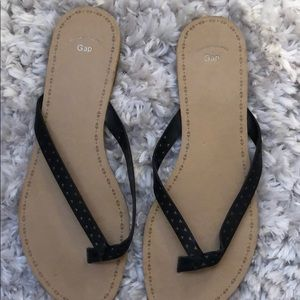 GAP Shoes - Black Gap Flip Flops- Size 9